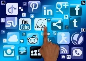 social media jako medium dotarcia dopotrzebujących pomocy